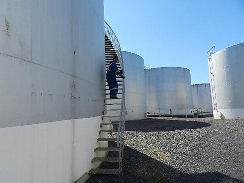 OIL SHOW 005.JPG