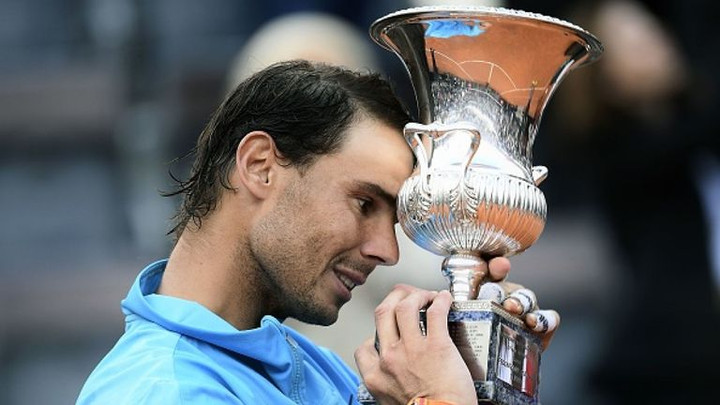 Rafael Nadal beats Novak Djokovic to claim Italian Open title