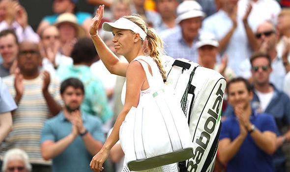 Caroline Wozniacki OUT of Wimbledon after flying ants disrupt Ekaterina Makarova clash