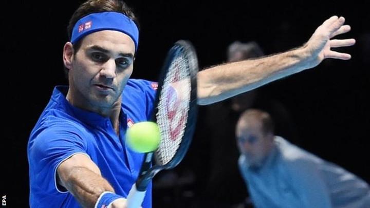 Roger Federer beats Dominic Thiem to keep alive ATP Finals hopes
