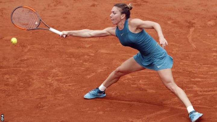 French Open 2018: Simona Halep beats Angelique Kerber to reach semi-final