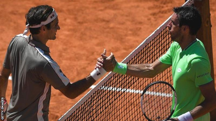 Roger Federer advances at French Open with win over Leonardo Mayer