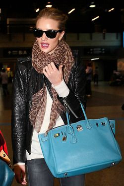Rosie Huntington Whiteley Bikrin bleu.jp