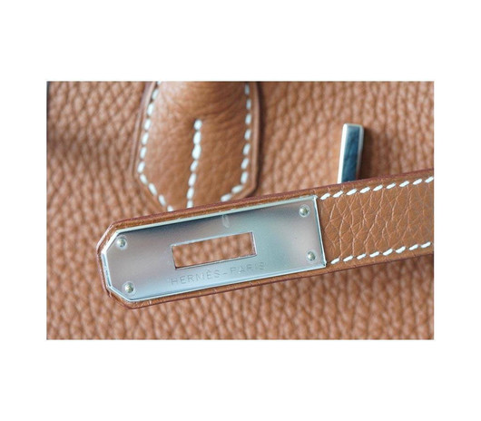 Birkin 30 Gold PHW Togo leather close up