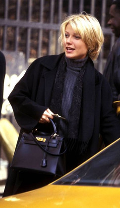 Gwyneth Paltrow Kelly 28 black ghw.jpg