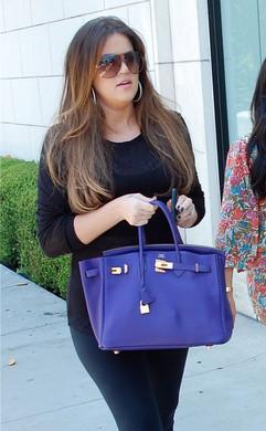 Kloe Kardashian Birkin bleu.jpg