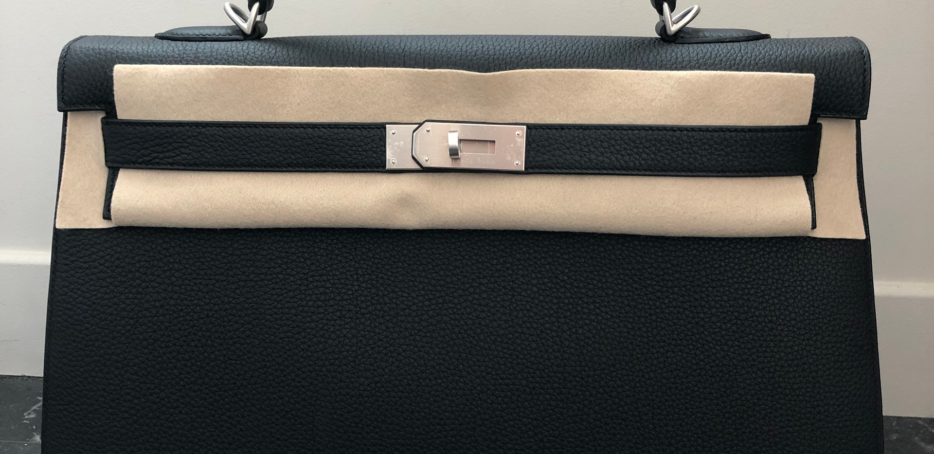 Kelly 40 Special order togo leather black with palladium hardware