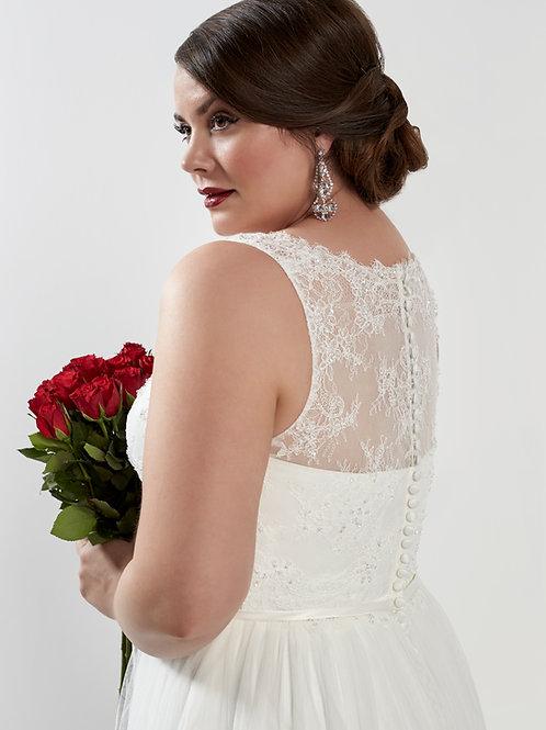 Onyx Silhouette Bridal Curvy