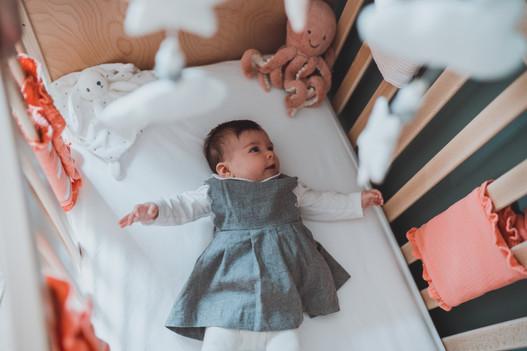 Jolie séance photo de bébé à domicile à Nantes