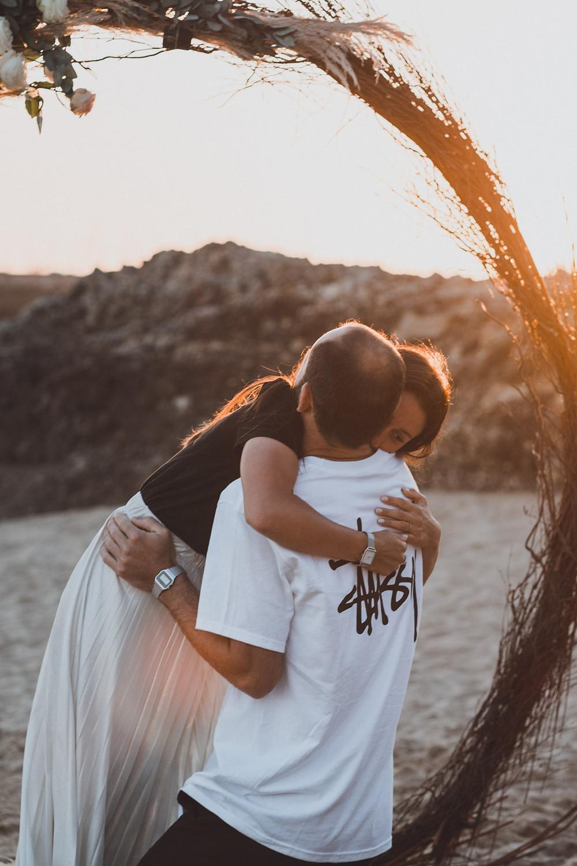 Duo de photographe et vidéaste mariage en Bretagne, Loire-Atlantique, Vendée, Aquitaine, Occitanie. Meilleur duo photo et vidéo de mariage alternatif, elopement, destination wedding.