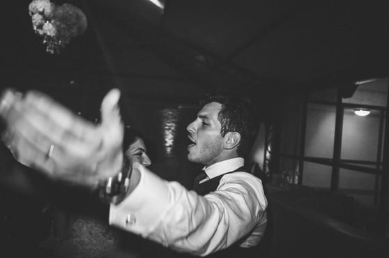 Photos de marié sur le dancefloor du mariage