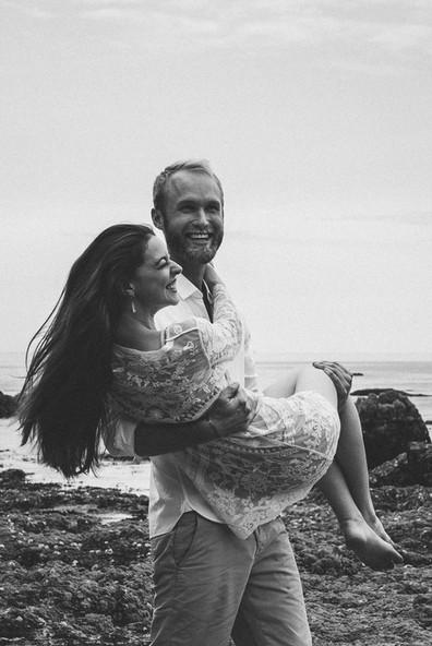 Jolie séance photo couple et engagement à Saint-Gilles Croix de Vie