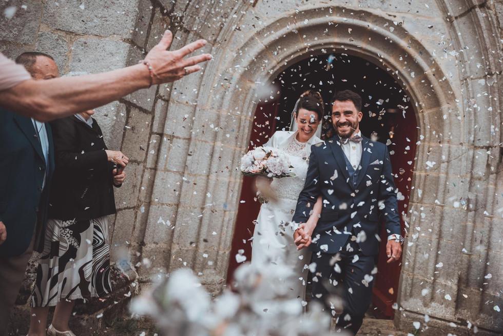 Photos de mariage en sortie d'église