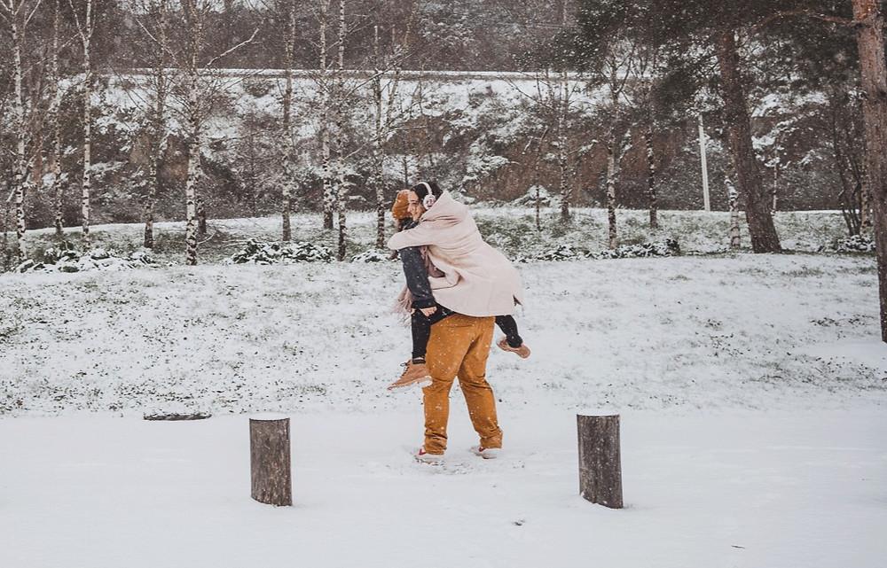 Couple de photographe de mariage en duo a Nantes, Bordeaux, Tours