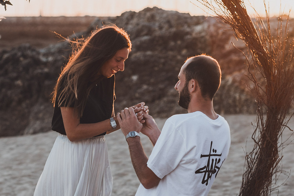 French wedding proposal photographer and engagement session. Best ideas of marriage proposal. Photo and video of proposal.
