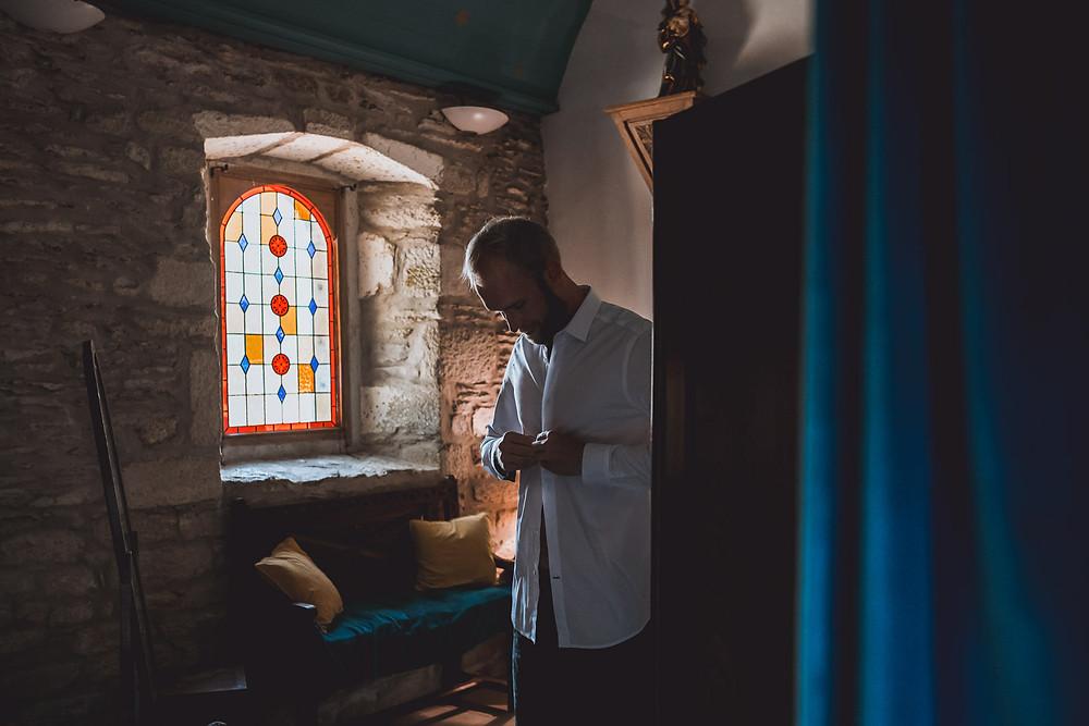 French wedding photographer and videographer in Nantes in a castle, in Loire-Atlantique, Pays de la Loire.