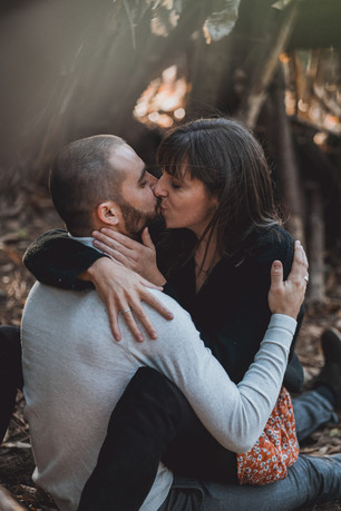 Couple and engagement photoshoot in the forest, the woods, Pays de la Loire