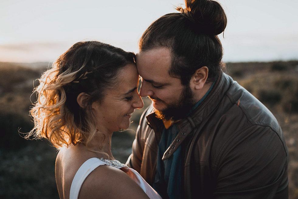 Portrait de crabe et koala le couple photographe et vidéaste de mariage en duo à Nantes en France.