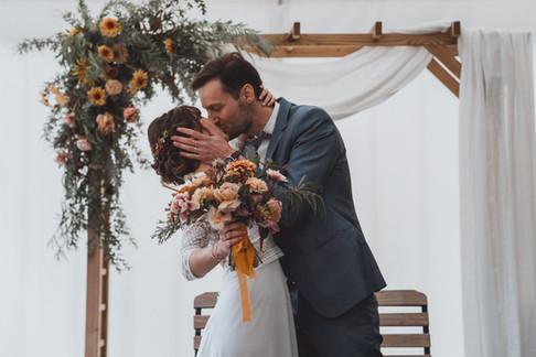 Photos de mariage de cérémonie laïque automnale