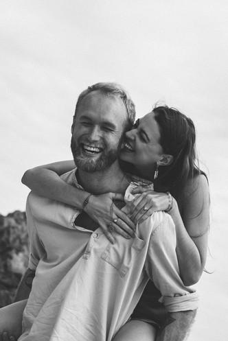 Jolie séance photo de couple fun et original à Pornic