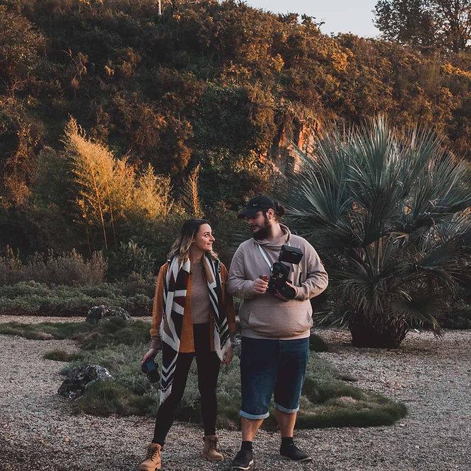 Couple de photographe et vidéaste de mariage et destination wedding.