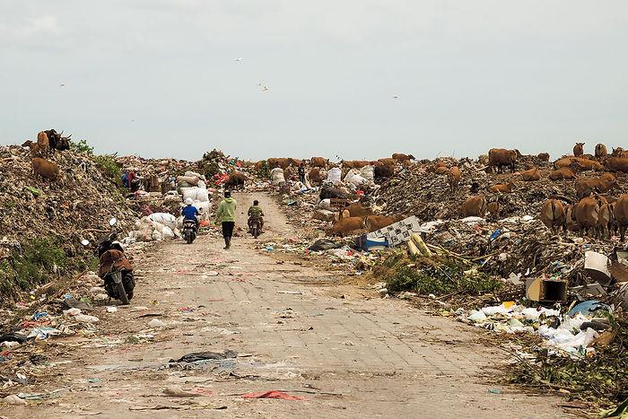 13 - Suwung landfill  - 1500.jpg