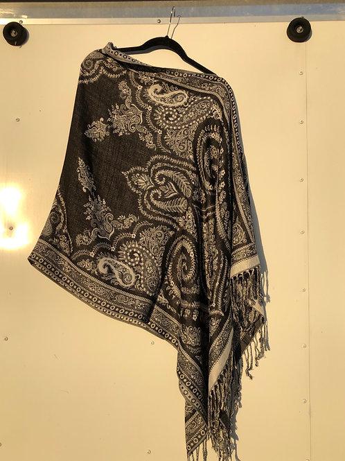 Black/white tapestry