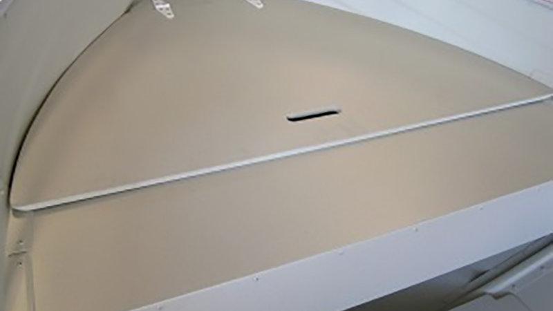 Bow deck 370 U