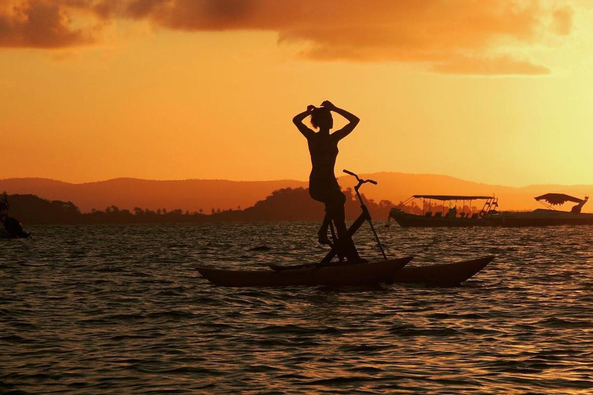 Chiliboats_Bikeboat_Up_Sunset.jpg