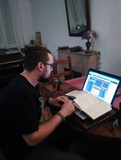 Dasmask travaillant sur ses audios
