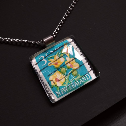 Necklace with stamp pendant - Puarangi Flower - Stamp'n Glass