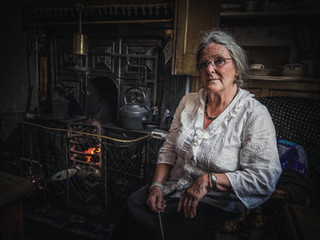 black coutry granny at fire.jpg