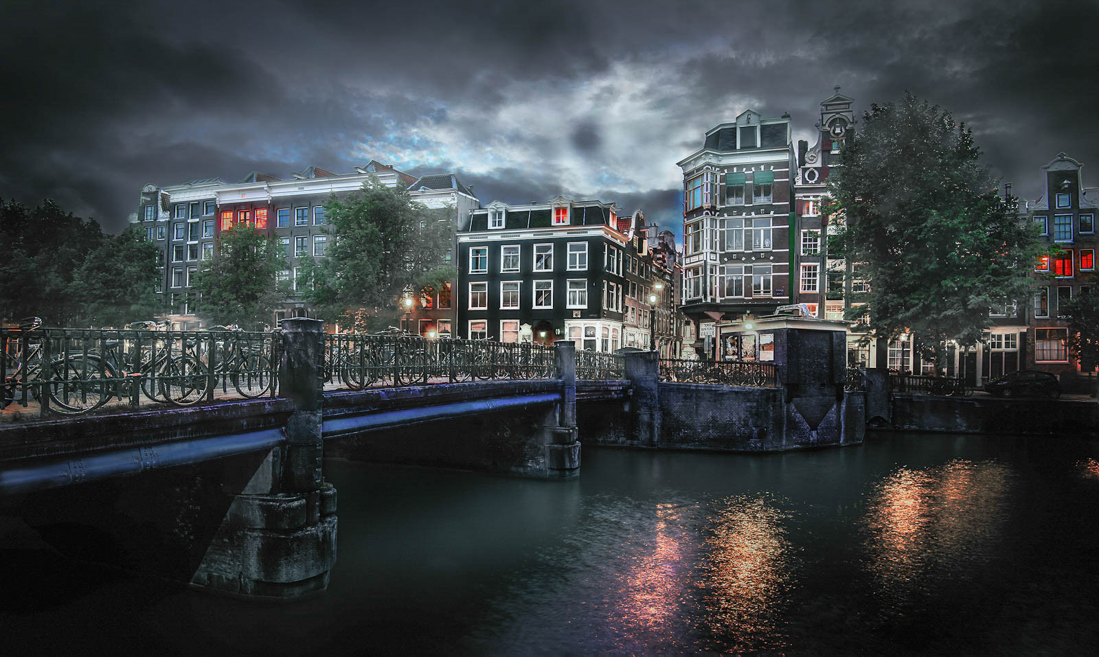 Last night in Amsterdam.jpg