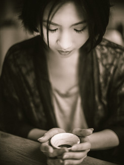 MInh Li red-1-2.jpg