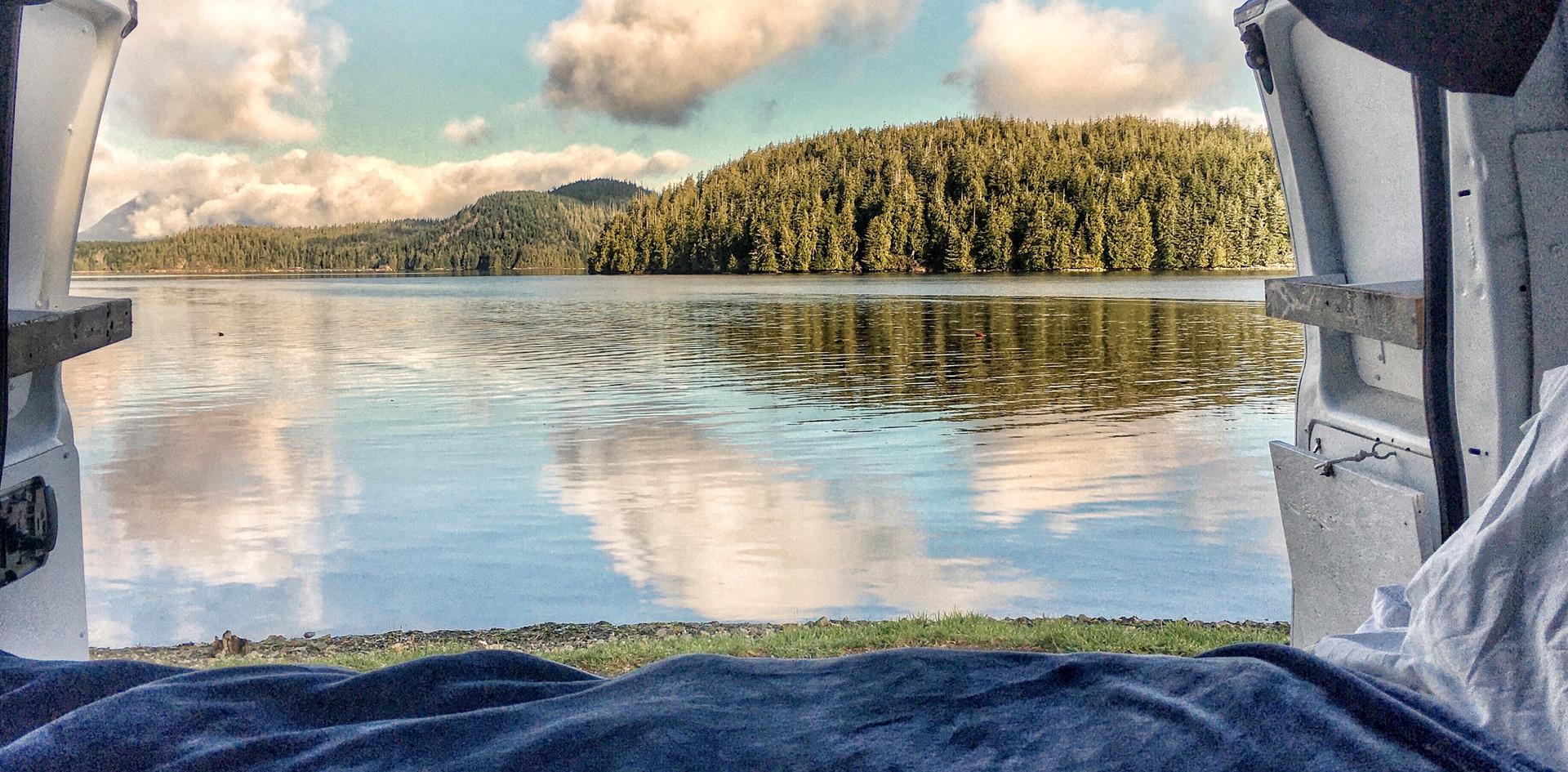 campervan vue sur le lac