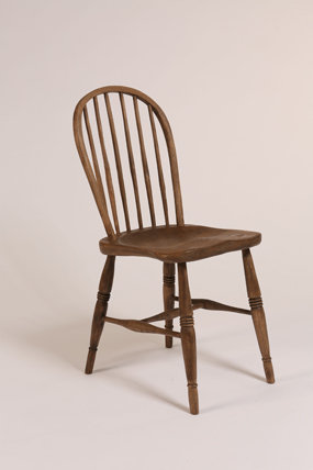 Bow Windsor Chair - Turned finish with stain