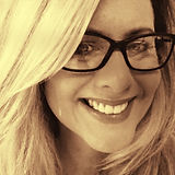 Diana Black and White With Glasses_edite