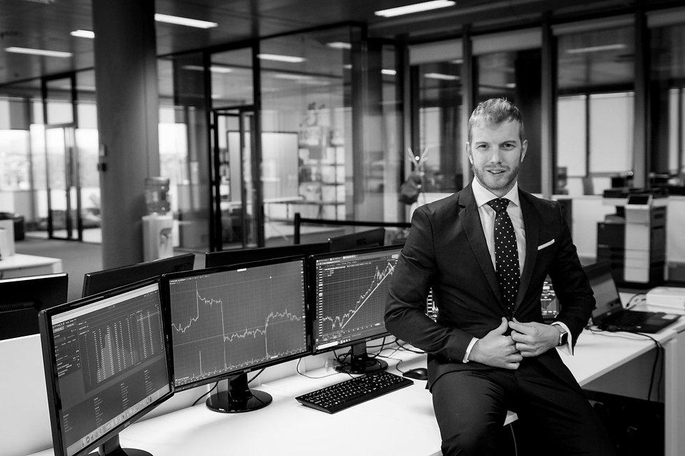 Jaime Juez - Asesor Financiero Fondos de inversión_edited.jpg