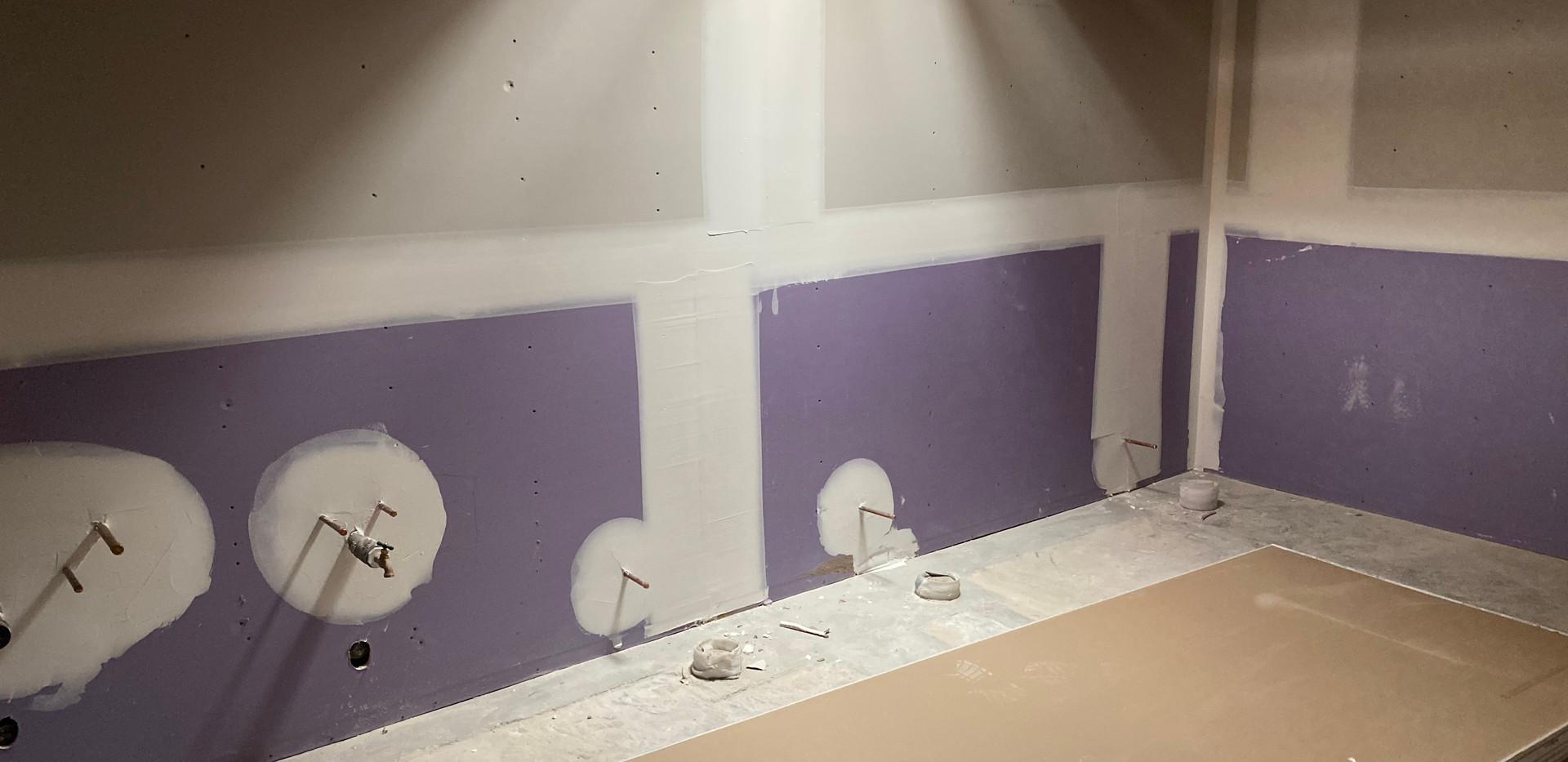 WomensBathroom.jpg