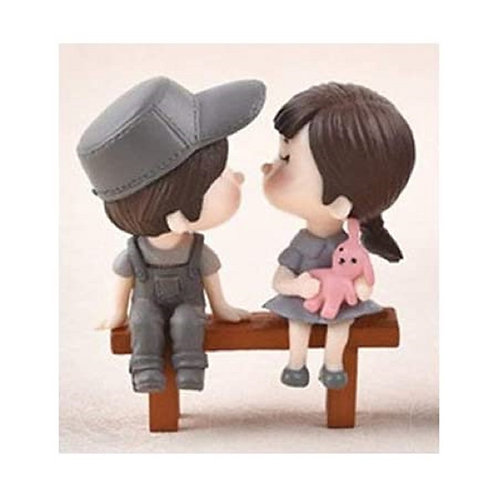 Cute Couple On A Bench - Resin Miniature