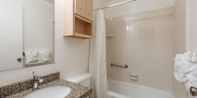 Full bathroom tub and shower