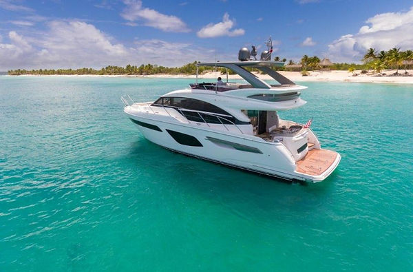f55-exterior-white-hull-with-hardtop-2-820x540.jpg