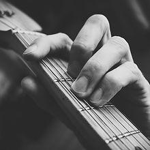 f-guitar-chord-1083930_edited.jpg