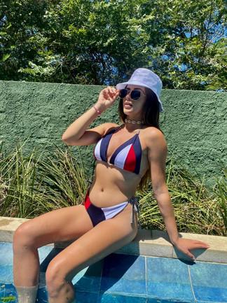 Natalia Guenewald, Miss Petite Brasil, passa fim de semana em Arraial do Cabo RJ