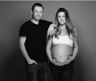 A 'Lua nasceu!' anuncia Tiago Leifert a chegada da filha com Daiana Garbin
