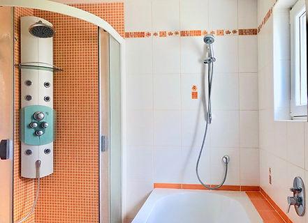 Koupelna Bakov.jpg