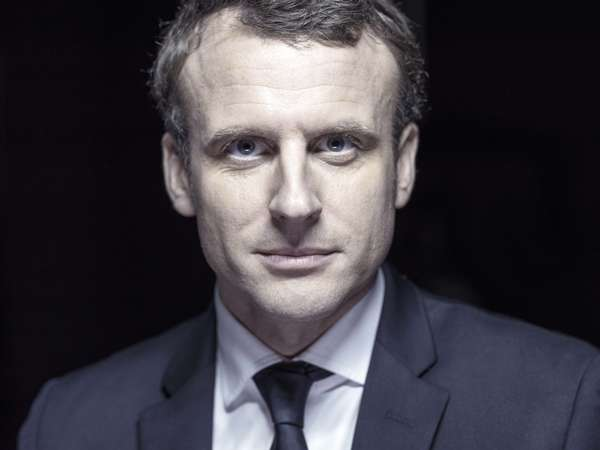 Executive Studio - Portrait Macron