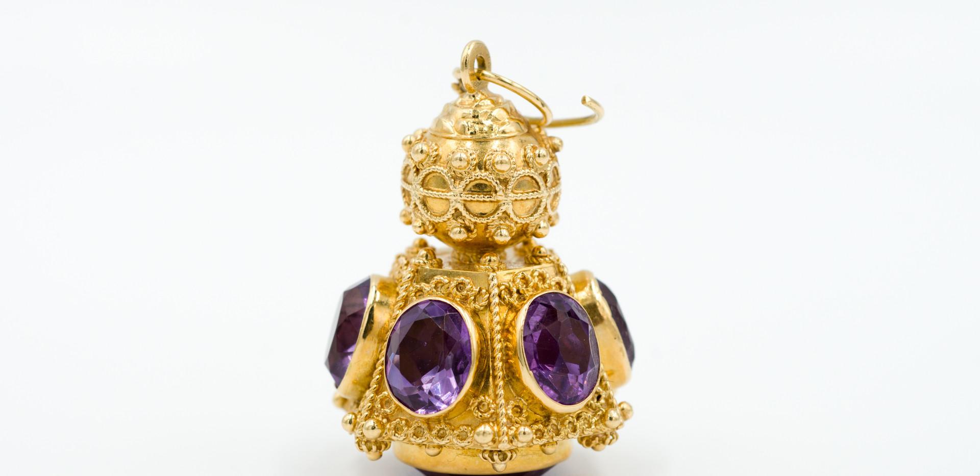Italian 18k Gold and Amethyst Pendant