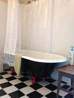Sanctuary tub