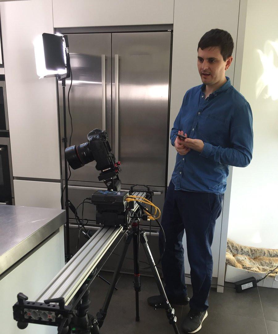 Director Mark on the Rowse Honey shoot.j